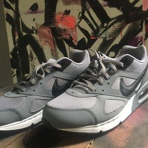 Nike Air Max Ivo Cool Grey Casual Running trainers